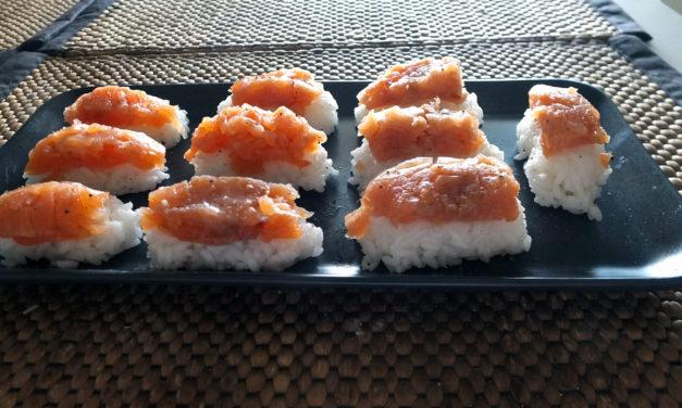 Νιγκίρι σούσι με σολομό